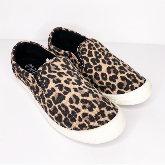 0916155d4c9 Mad Love Shoes - MAD LOVE Animal Print Slip On Shoes Size 7